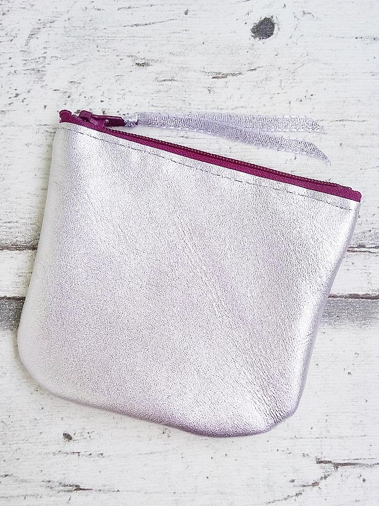 """Kosmetiktasched """"Silber"""" (silber-purpur) von Mondspinne"""