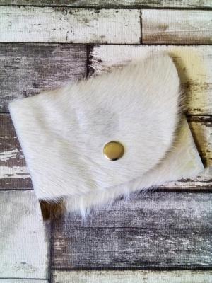Börse Allgäu braun-weiß aus Kuhfell von MONDSPINNE