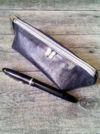 Federmäppchen Glamour mit Boden braun-silber mit Aufnäher Schmetterling aus Kalbsleder - MONDSPINNE