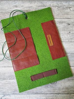 Stifterolle Eichenlaub grün-rotbraun Wollfilz Büffelkalbsleder - MONDSPINNE
