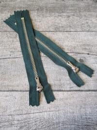 Reißverschluss dunkelgrün altsilber 14 cm lang 2,7 cm breit YKK - MONDSPINNE