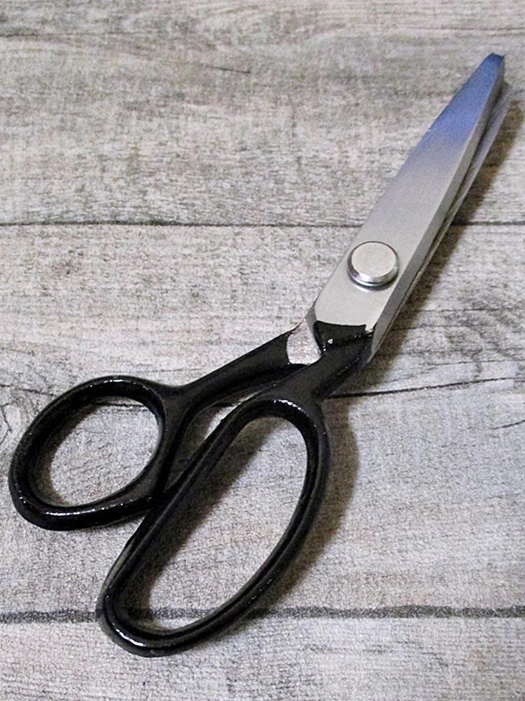 Zickzackschere silber schwarz Metall 18 cm - MONDSPINNE
