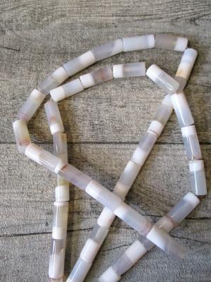 Achatperle/ Achatstein zylinderförmig weiß 20x8 mm Loch 1,5 mm - MONDSPINNE