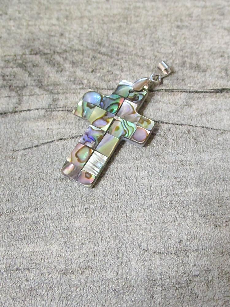 Kette Kreuz bunt Perlmutt 33x22 mm - MONDSPINNE