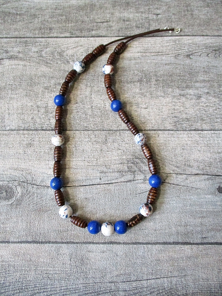 Kette blau dunkelbraun 30 cm Holz Porzellan Leder - MONDSPINNE