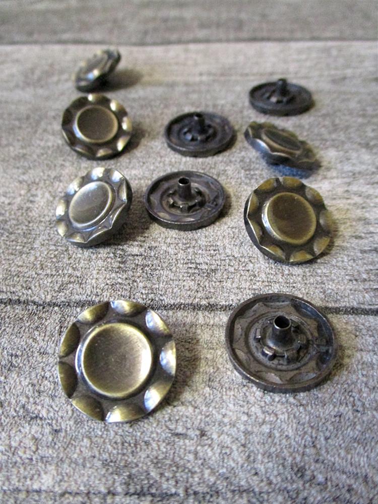 Druckknopf Metall altmessing rund Kreis 17 mm - MONDSPINNE