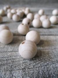 Kugeln Perlen Holzkugeln Holzperlen natur Rohholzkugeln unlackiert 15 mm Lochgröße 4 mm - MONDSPINNE