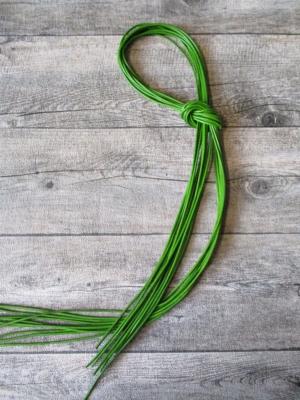 Lederband Lederriemen Rindsleder rund hellgrün 1 m 2 mm - MONDSPINNE