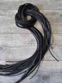 Lederband Lederriemen vierkant schwarz 1 m 2,5x2,5 mm - MONDSPINNE