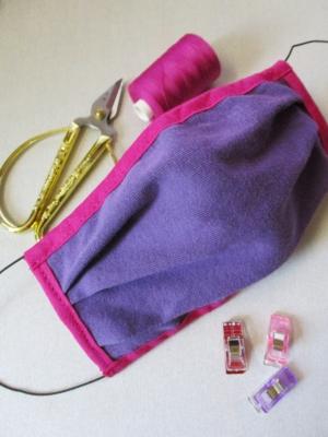 Gesichtsmaske lila-pink mit Gummiband