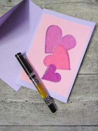 Grußkarte Klappkarte 3_Herzen rosa-lila - MONDSPINNE